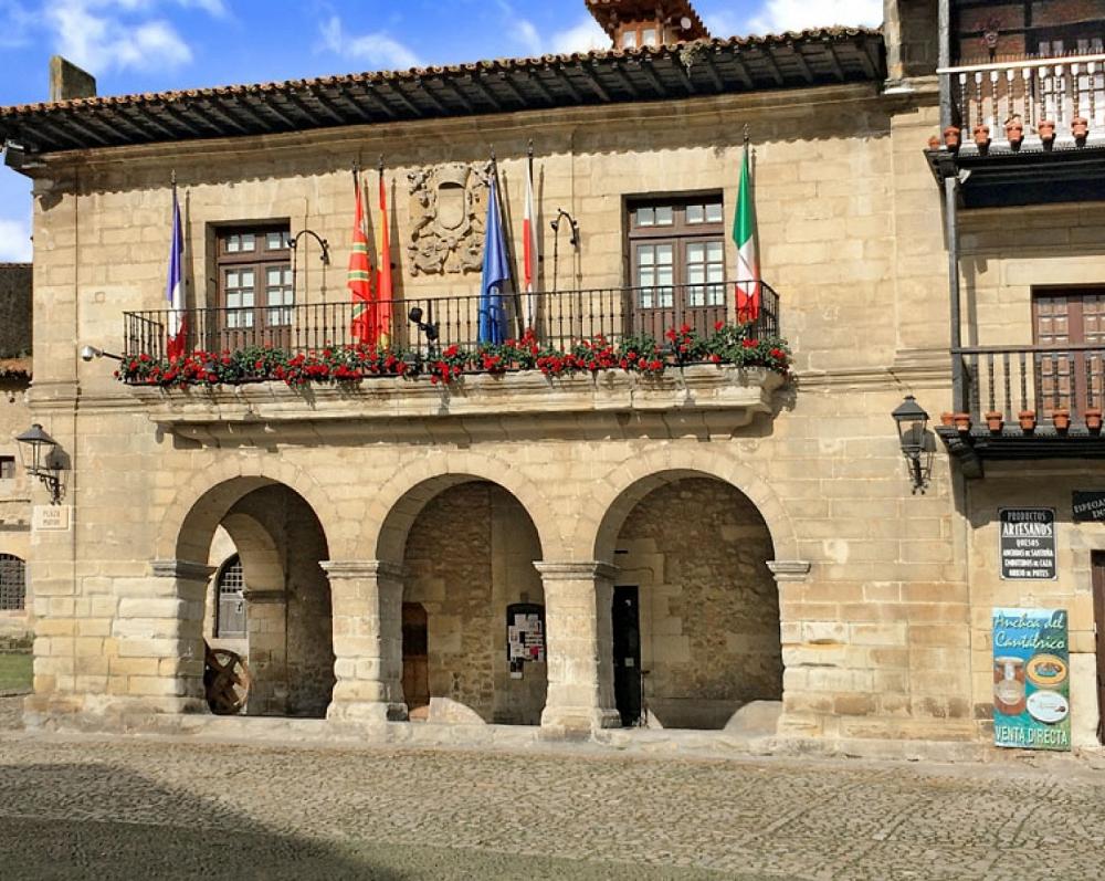 8. Ayuntamiento