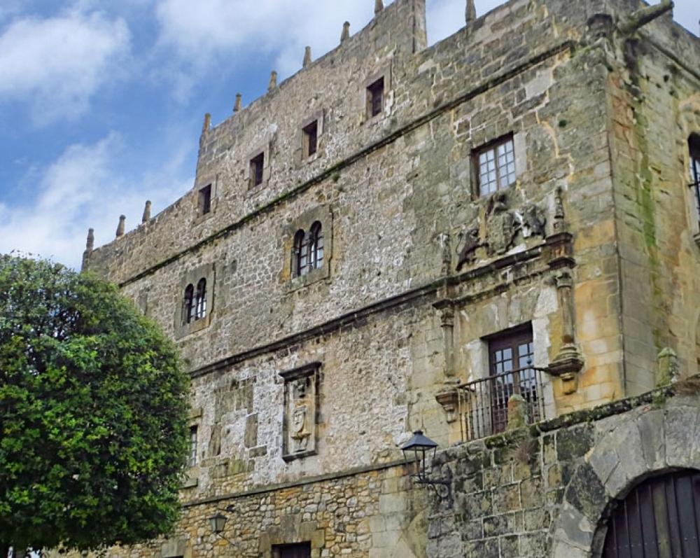 21. Palacio de los Velarde