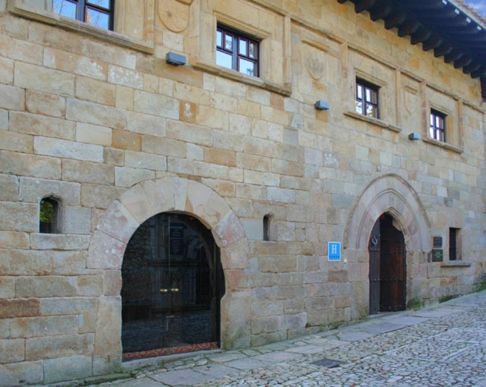 14. Leonor de la Vega House
