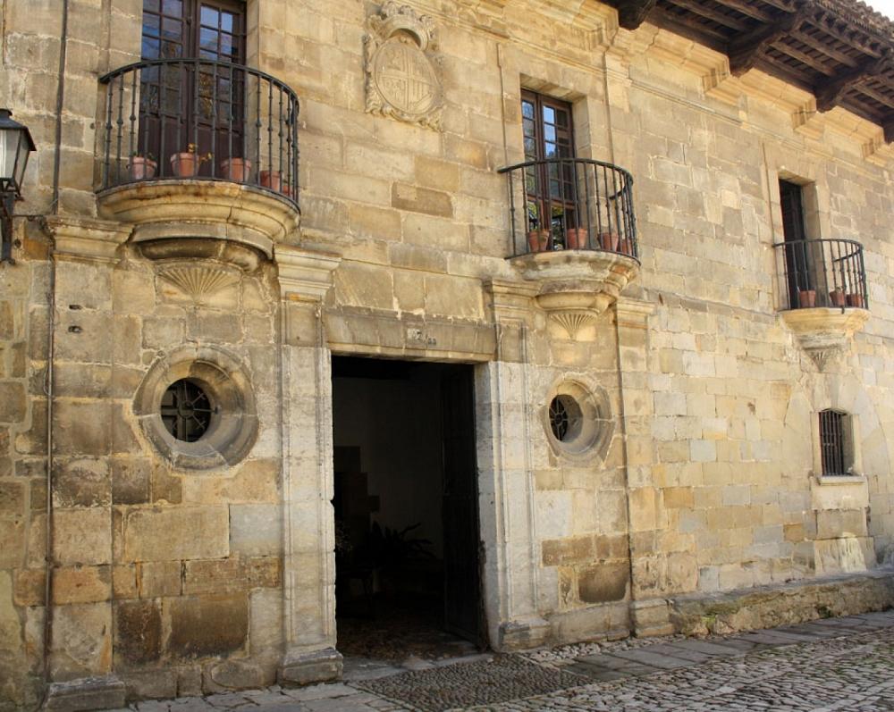 4. Casa de los Villa